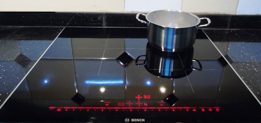 Bếp từ Bosch pid675dc1e và pid651dc5e khác nhau không