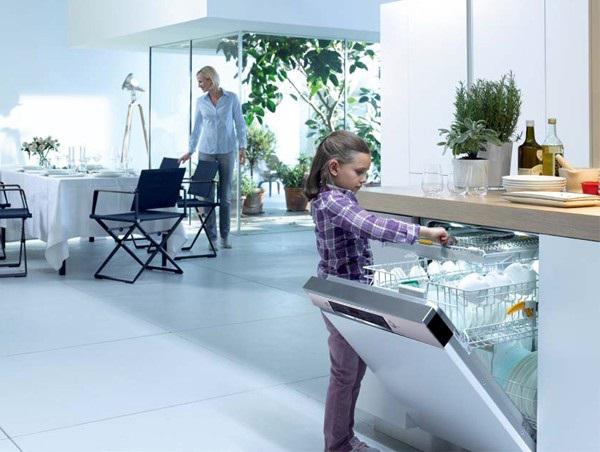 Tính năng tự hé cửa của máy rửa chén Bosch