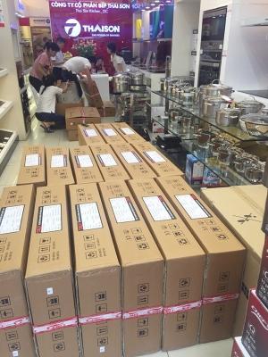 Tết này rộn ràng mua sắm tại Sài Gòn Bếp - Công ty CP Bếp Thái Sơn